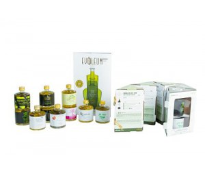 CHRISTMAS GIFT PACK SELECTION OF THE BEST OILS IN THE WORLD. INCLUDES: EVOOLEUM SELECTION PACK + EVOOLEUM GUIDE